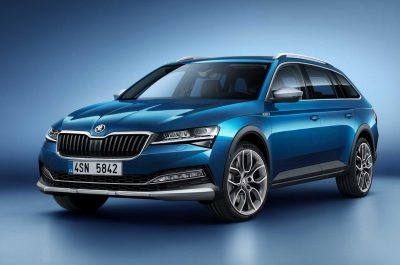 2020 Skoda Superb Scout - тест драйв 8