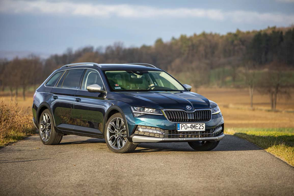2020 Skoda Superb Scout - тест драйв 2